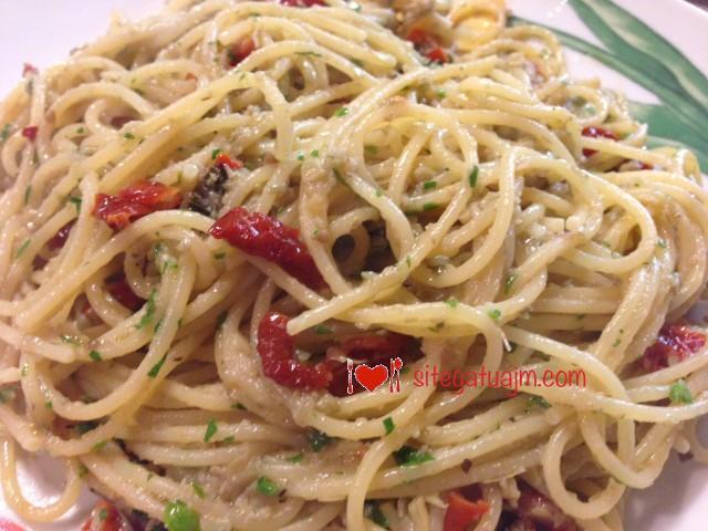 Makarona spaghetti me argjinare