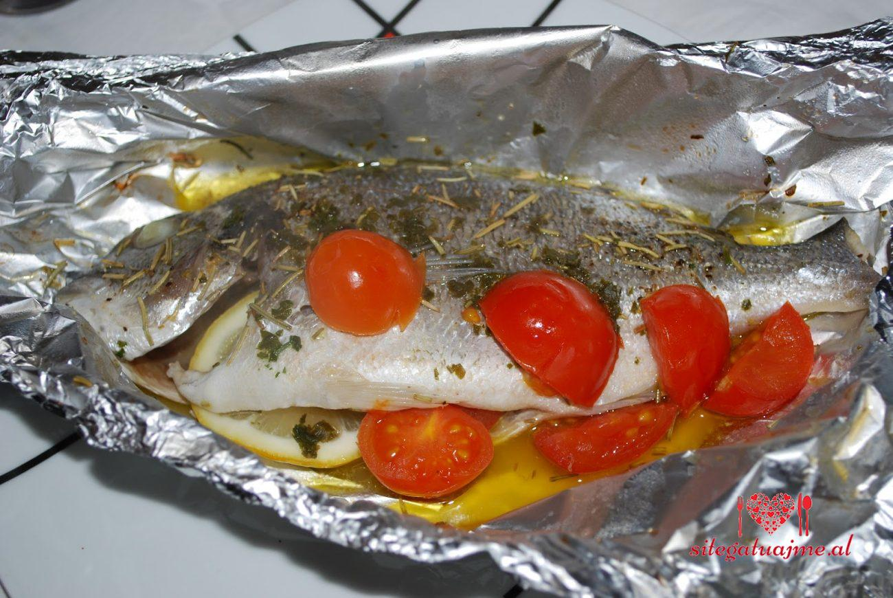 Peshk me leter alumini ne furre