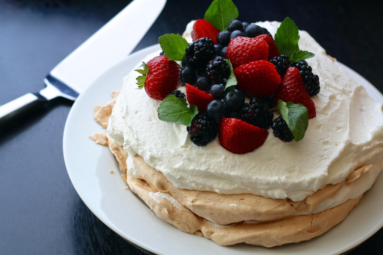 Torta Pavlova receta e embelsires australiane